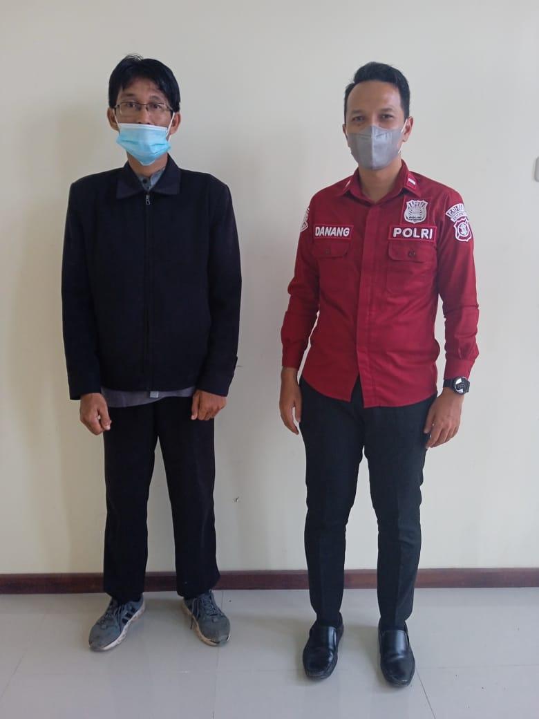 (Kanan) Reporter Aktual Borne bersama Ipda Danang (kanan)